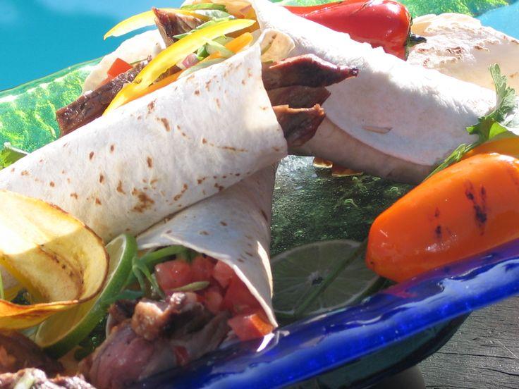 steak soft tacos: http://gustotv.com/recipes/dinner/spicy-steak-soft ...
