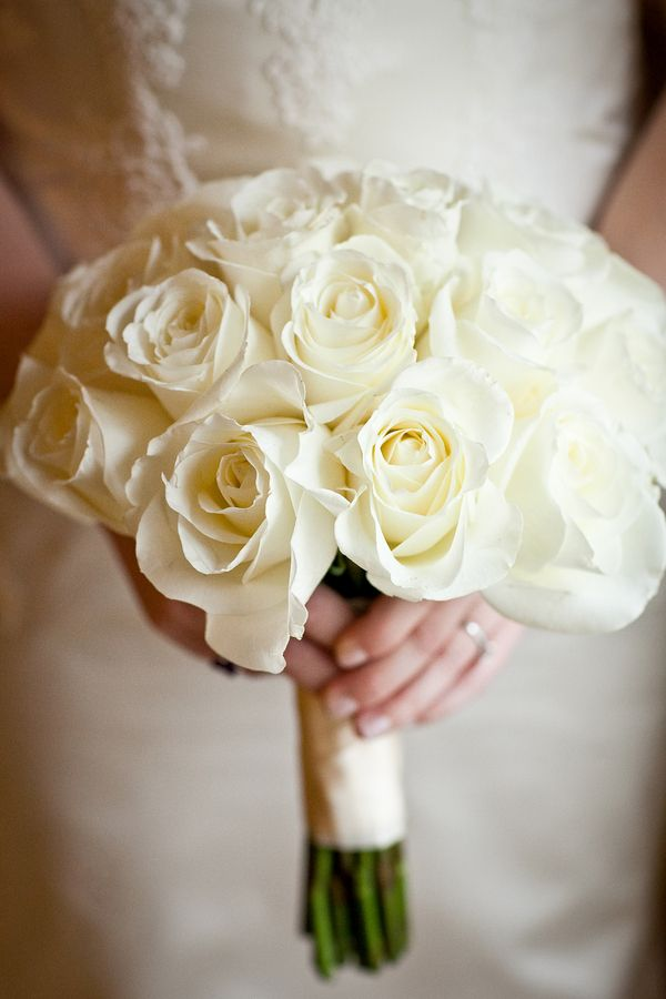 tag white rose bouquet - photo #17
