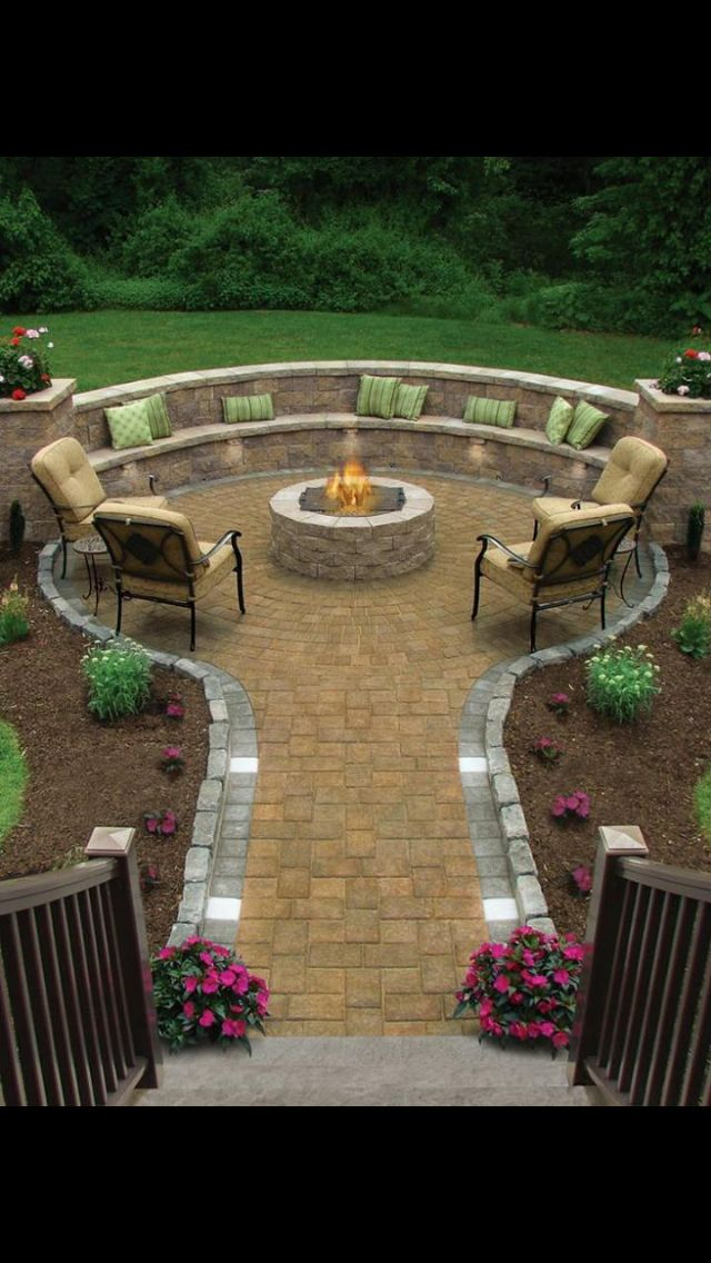 Backyard Fire Pit Area : patios