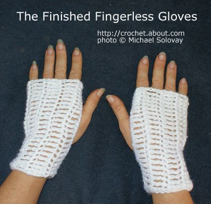 Crochet Fingerless Gloves Pattern Beginner : Pin by Carolyn Smith on Crochet Beginners Patterns Pinterest