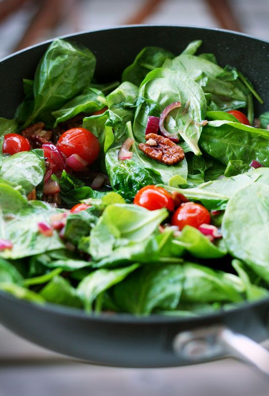warm spinach salad with bacon and pecans | There's a Party in My Tumm ...