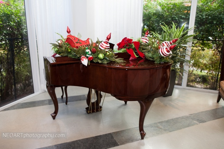 Christmas decorations on a grand piano. | Christmas Ideas | Pinterest