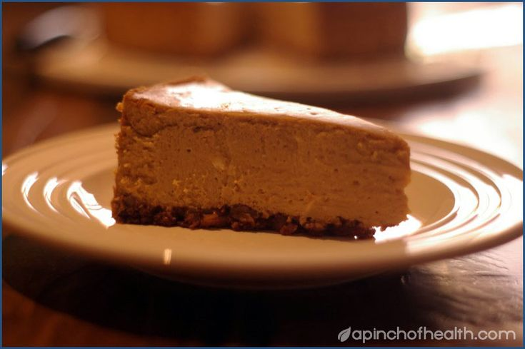 Low Carb Pumpkin Cheesecake with Pecan crust