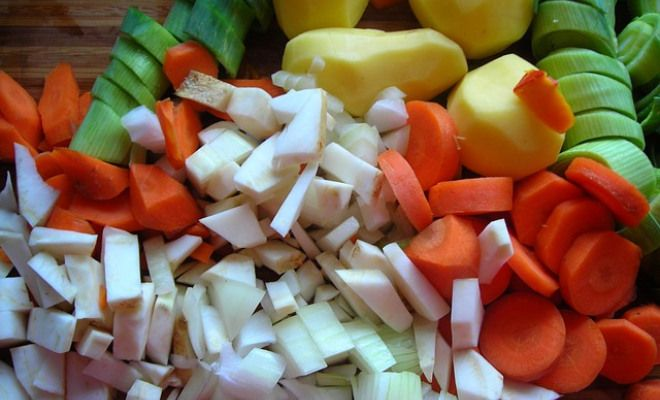 hearty chicken vegetable soup recipe yummly hearty chicken vegetable ...