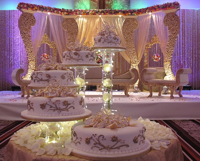 Asian wedding cakes wedding craze pinterest for Asian wedding decoration