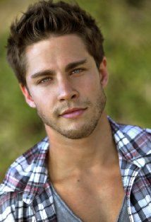 Dean Geyer Noah perception