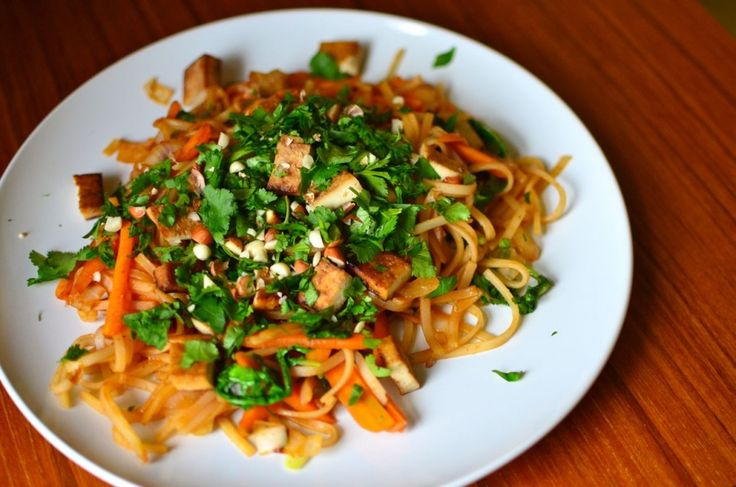 Pad Thai - Vegan Eats World | Vegetarian and Vegan eats | Pinterest
