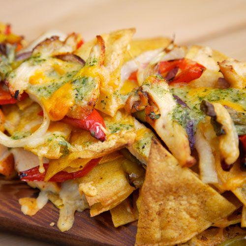 ooey gooey grilled chicken nachos recipe | Num Num | Pinterest