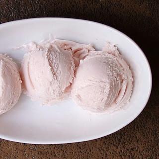 No-Cook Strawberry Margarita Ice Cream | Nom Nom | Pinterest
