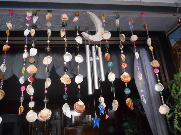 Móvil de conchas.  shells