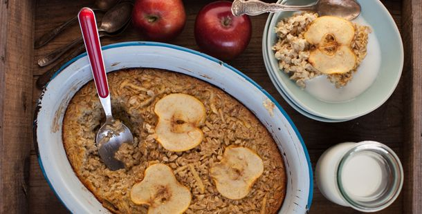 Apple Pie Baked Oatmeal on Jamie Oliver by Aimée | Simple Bites # ...