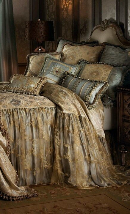 Beautiful bedding vintage shabby chic pinterest for Beautiful bedspreads