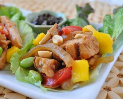 Chicken Stir-Fry Lettuce Wraps || thedailymeal.com