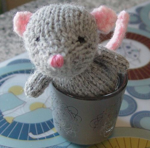 Knitting Pattern For Mouse Free : DIY Mouse Amigurumi - FREE Knitting Pattern / Tutorial FREE Amigurumi Patte...
