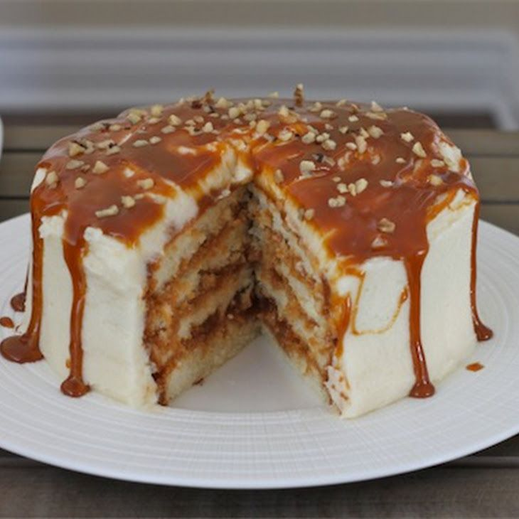 Dulce de Leche Vanilla Cake- Think I just gained 10lbs looking at this ...