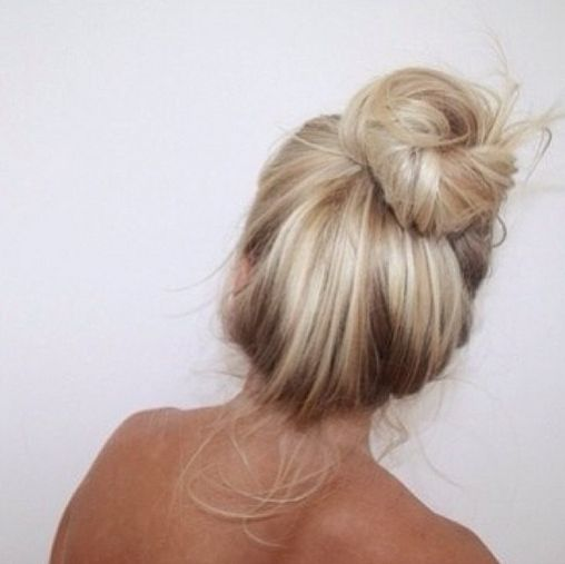 messy bun | ¸.•♥•.¸¸.•Everything I want ...