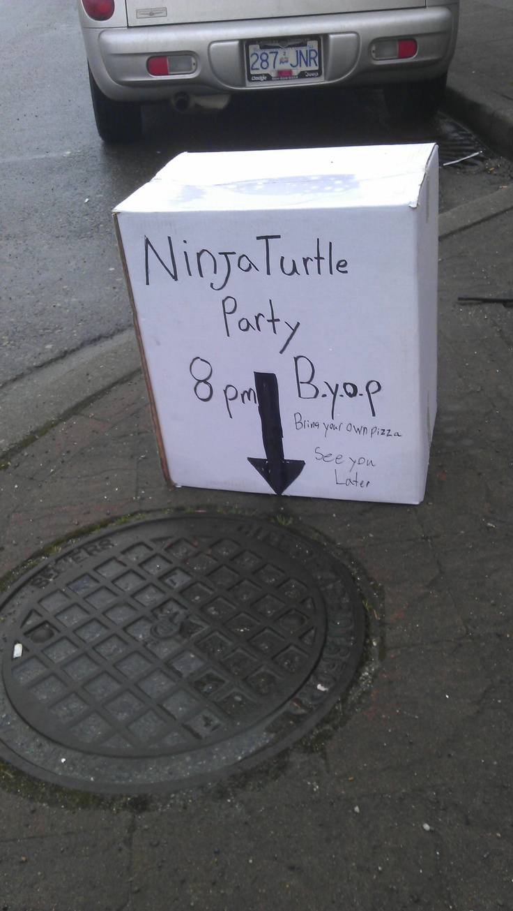 I've ALWAYS wanted to have a party in a sewer with TMNT and Pizza!