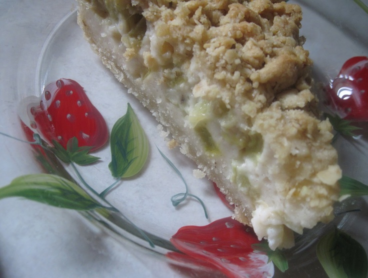 Sour Cream Rhubarb Pie | Rhubarb Bliss | Pinterest