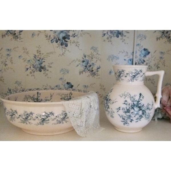 villeroy boch pitcher and bowl set pitcher and bowl. Black Bedroom Furniture Sets. Home Design Ideas