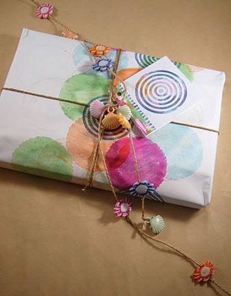 Wedding Gift Wrapping Ideas : Wedding Gift Wrapping Ideas Gift wrap diy tutorial. Envoltura de re ...