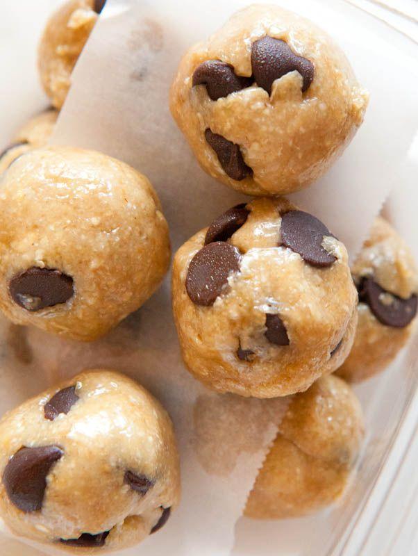 Raw Vegan Chocolate Chip Cookie Dough Bites