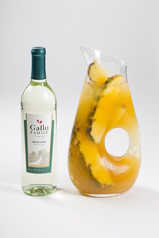 Cocktail Corner: Pineapple Rum Punch | Food-a-holic !! | Pinterest