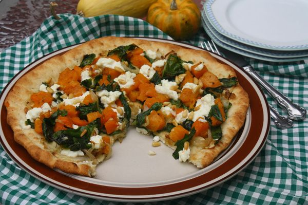 Butternut Squash and Swiss Chard Pizza #MeatlessMonday #pizza