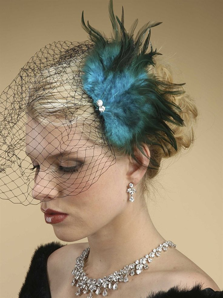 Fascinating Fascinators – Import This Royal European Look For Your Wedding Day
