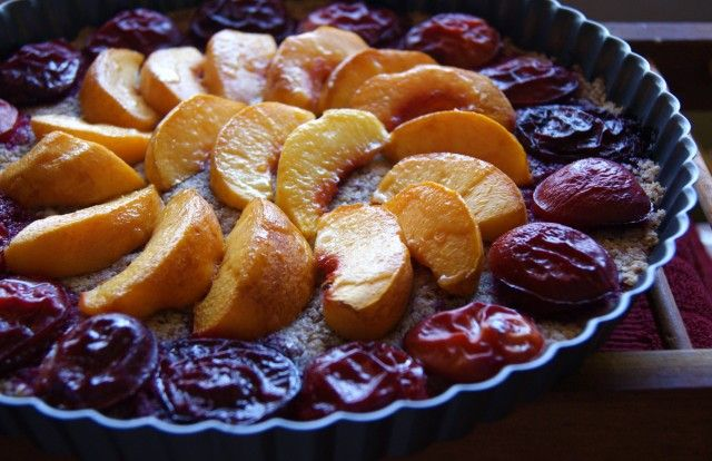 Stone Fruit Tart with Almond Crust (sugar free and grain free ...