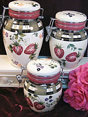 Oneida China Dinnerware Strawberry Plaid Canister Set