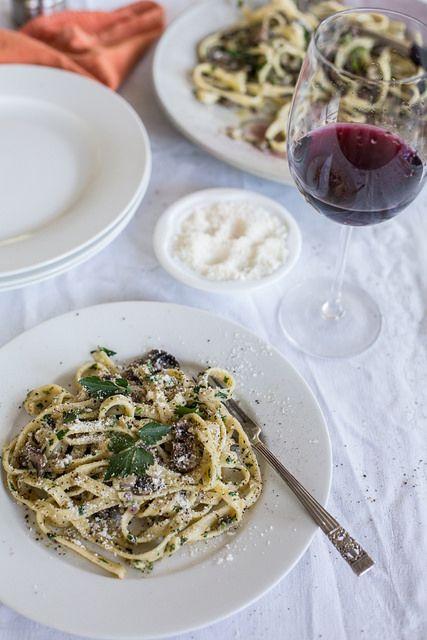Creamy Mushroom Fettuccine | yummy things | Pinterest