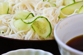 Hiyashi Somen (Japanese Chilled Somen Noodles With Dipping ...