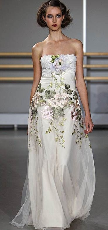 Hand painted wedding dress ideas 1 pinterest for Painted on wedding dress