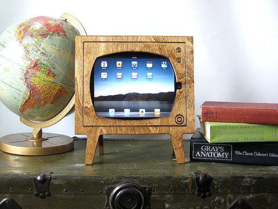 Handmade Natural Wood Retro TV Ipad Dock by miterbox on Etsy