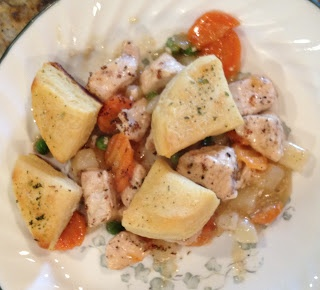 The Busy Bees: Skillet Chicken Pot Pie | Chowin' Down: | Pinterest