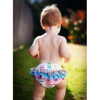 Baby ruffle pants by Bettsy Kingston | Sewing Pattern