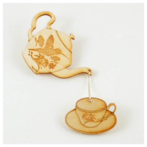 love this incredibly cute Tea Set Brooch from Wolf and Moon ...
