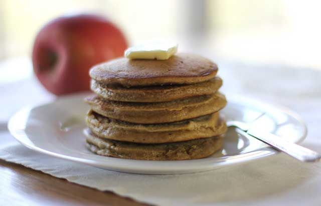 Apple Gingerbread Pancakes | HilahCooking | Pinterest