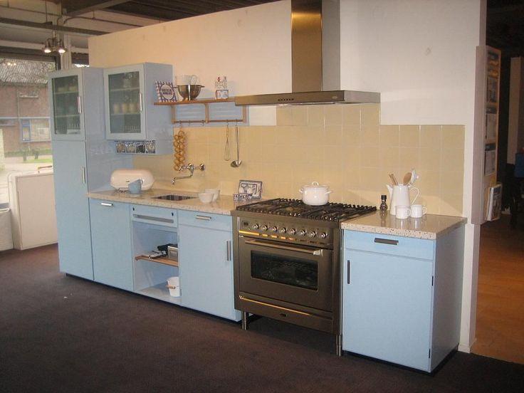 Keuken Blauw Groen : Uhhmm…blauw, geel of groen?? Piet Zwart keuken Pinterest