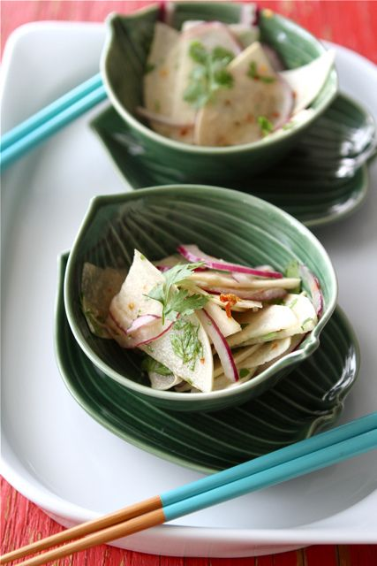thai jicama amp red onion salad from cookincanuck com looks so ...