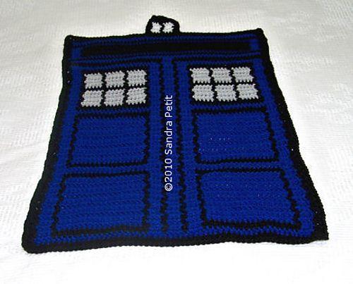 TARDIS baby blanket: free pattern knittish Pinterest