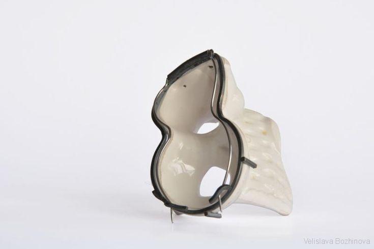 Velislava Bozhinova -Brooch, 6x4,5x4,5 cm, ceramic, silver, inox