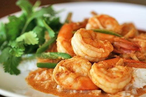 Spicy Garlic Shrimp with Coconut Rice | Yummmm.... | Pinterest