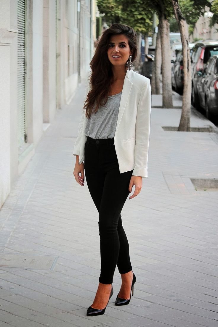 Fashionable office attire for women 3