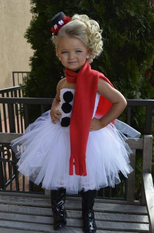 adorable halloween costume idea not adorable makeup on