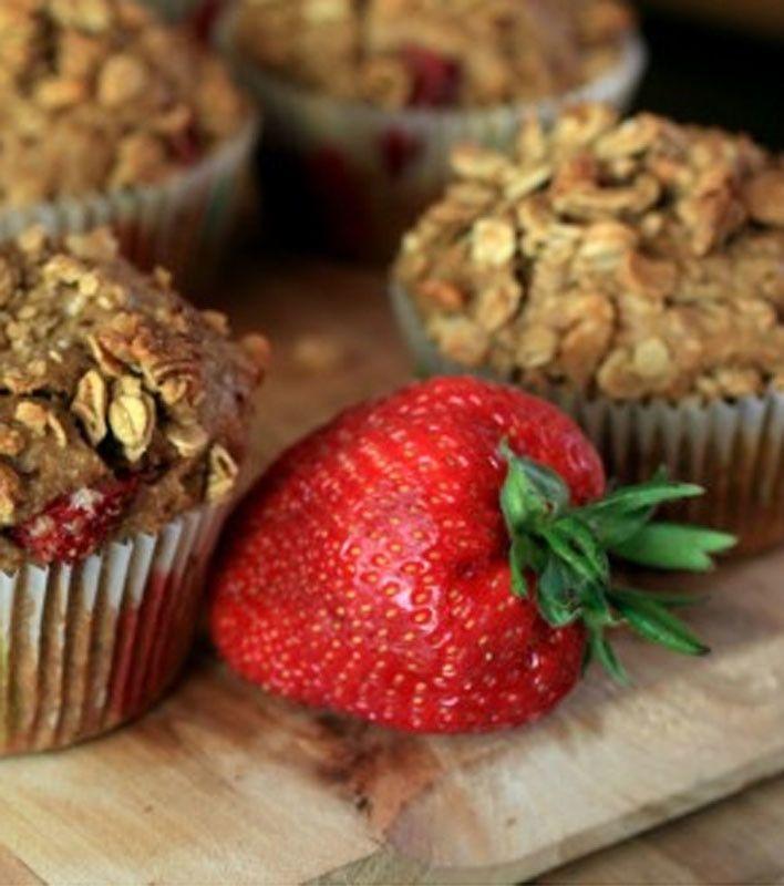 Strawberry Granola Muffins | Diet and Nutrition | Pinterest