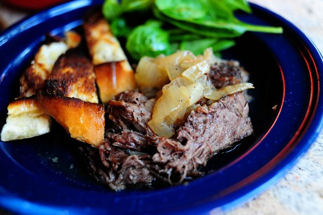 Beer-Braised Beef with Onions by @PioneerWoman -- Going to try making ...