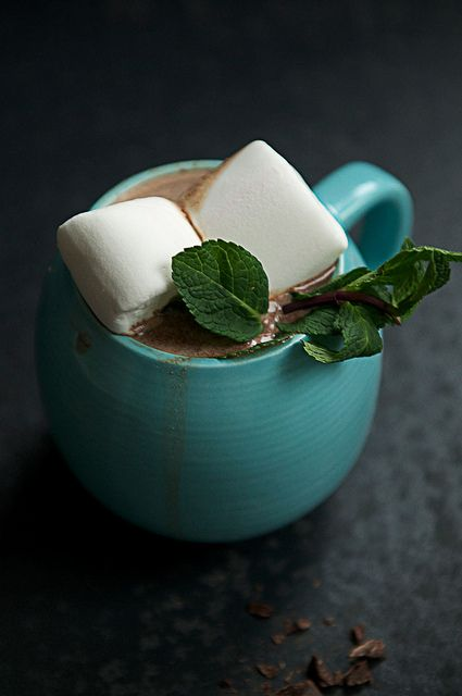 hot chocolate + mint | cold weather beverages | Pinterest