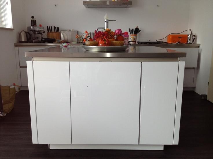 Witte Keuken Spoelbak : Pin by ASWA Keukens on Kijkje in de keuken ...