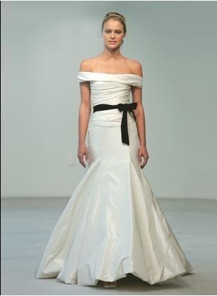 Robe de mariée 2011 avec ceinture  Robes de mariée  Pinterest